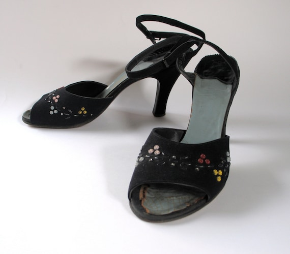 Vintage 1950s Bead and Rhinestone Navy Suede Shoes 8 to 8.5
