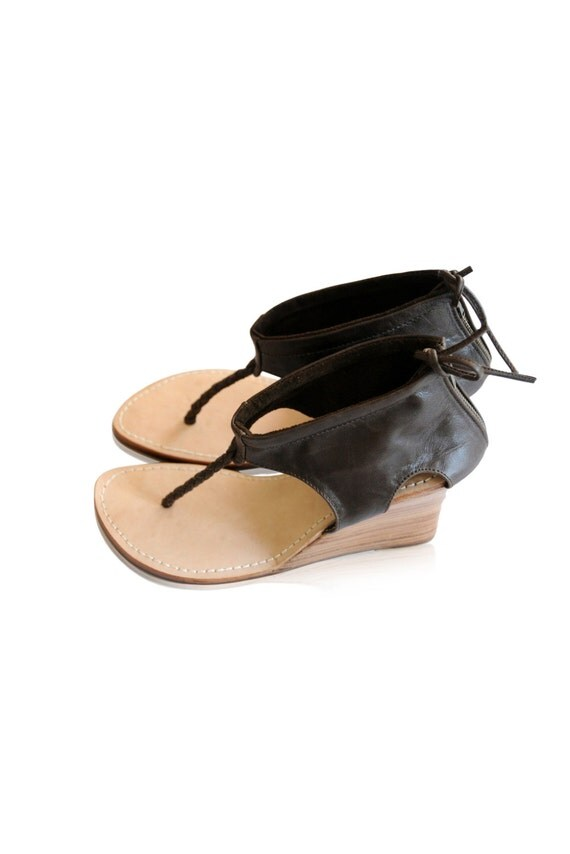 APHRODITE. Custom shoes / womens leather shoes / leather wedges / leather sandals. Sizes 35-43. Available in different leather colors.