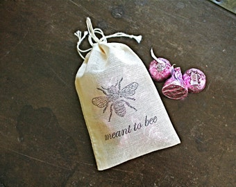 Wedding favor bags, set of 50 drawstring cotton bags. Meant to Bee with vintage bee design. Honey favor, bridal shower favor bags.