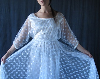 1980's French lace wedding dress single model