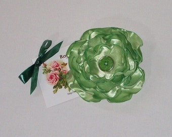Wedding lime green satin flower brooch / fascinator with pin / clip. ooak handmade prom hair Approx: 3.15 inch / 8 cm across. FREE SHIPPING