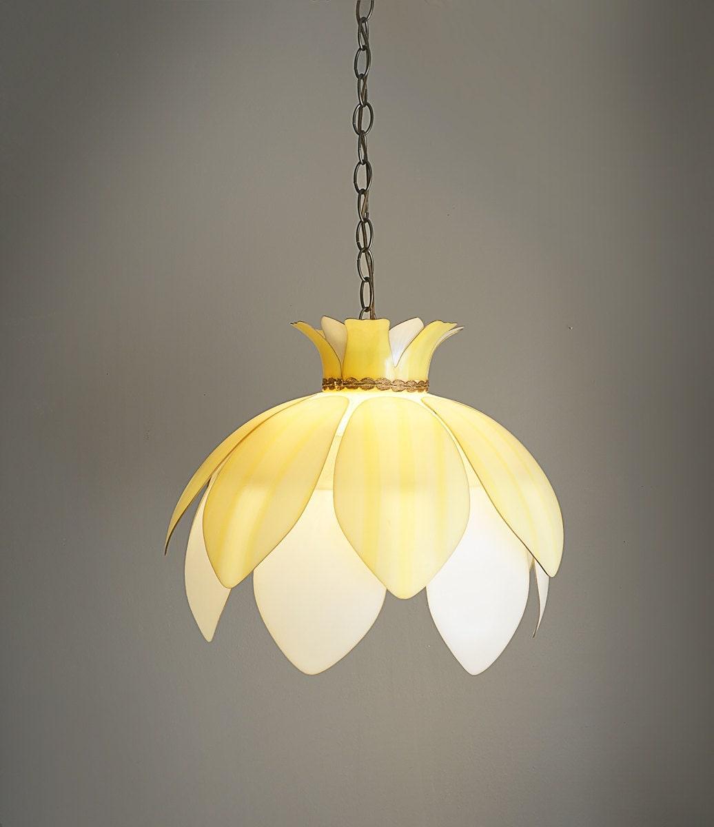 Vintage plastic flower hanging lamp light fixture yellow for Light up flower lamp