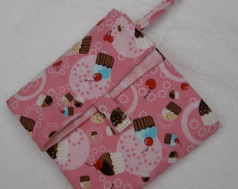 flip and go travel diaper changing pad/baby changing pad/travel diaper clutch with pockets - pink cupcakes