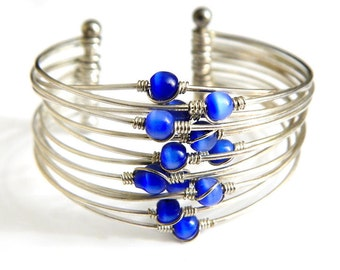 Funky Mod Blue Cats Eye WireWork Cuff Bracelet Vintage Glass Bead Silver Wire Cuff Modernist Design Blue Cats Eye Bracelet