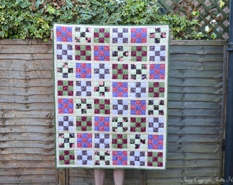 Floral quilted throw, patchwork quilt, large lap quilt, floral blanket.  Cottage garden chic, traditional quilt.  Garden or nature quilt. UK