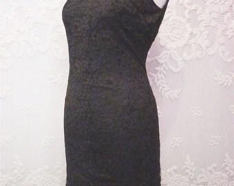 DAYVAL black LACE close-fitting retro DRESS