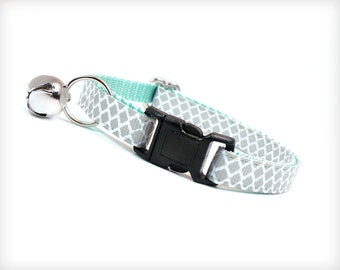 """Cat Collar - """"Incense & Peppermints """" - Lt. Grey on Mint - Breakaway Safety Buckle or Non-Breakaway - Sizes for Cat, Kitten, Small Dog"""