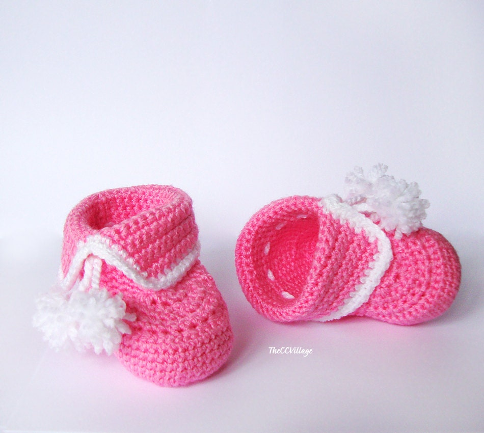 Shop baby girl shoes at 0549sahibi.tk Find fashionable & affordable baby booties, flats, slippers & more. Complete her holiday style with new baby girl crib shoes (perfect for newborns!), flats, sneakers, dress shoes, baby girl boots and more. There's a pair for every occasion!