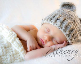 Baby Bear Hat, Knit Baby Bear Hat, Newborn bear hat, teddy bear hat,  0 to 3 months Newborn Photo Prop