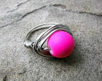 Chunky Neon Pink Ring, Wire Wrapped Ring, Neon Ring, Bright Pink Ring, Pink Bead Ring, Wire Wrapped Jewelry Handmade, Chunky Ring