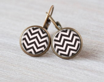 Black and White Chevron earrings post, Artwork, Handmade, trendy, great gift
