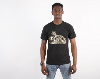 Siegfried and Roy T-Shirt - Siegfried and Roy  - Golden Tiger T-Shirt   -  Las Vegas T-Shirt - 1458