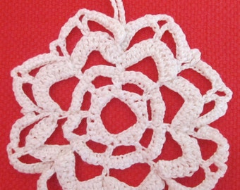 4 Different crochet snowflakes, handmade by Fiammetta Gilodi