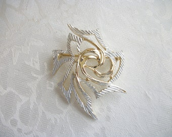 Vintage Sarah Coventry Oriental Brooch Pin Silver & Goldtone Designer Collectible Gift Mom Retro