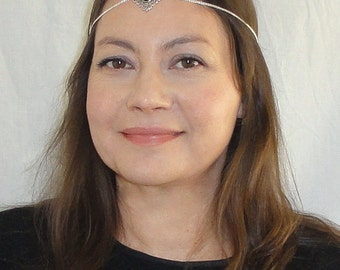 Silver headchain, Boho head jewelry, Boho chic head piece, Silver onyx head chain, Chain headpiece, Silver gemstone headband
