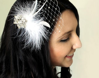 Vintage brooch bridal head piece on bobby pin, wedding hair accessory. Vintage brooch feathers and netting on clip.