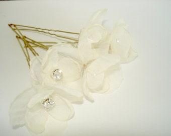 Flower Hair Pins  Ivory Bridal Wedding Hair Piece, Crystal Wedding Hair Accessories, Wedding Hairpiece, Bridal Hair Pins, Small Flowers