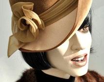 Ladies Vintage 1970s Beige Velvet Kangol Hat with Curved Brim