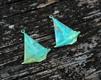Hand Patina Sailboat Pendants, Boat Charms, Brass Charm Findings