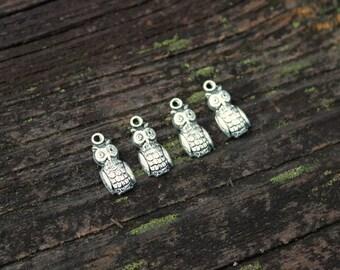 Antiqued Silver Owl Charms Pendants, 4 pcs