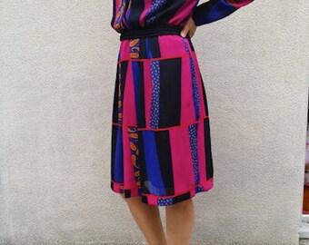"80's  multicolored Dress  trendy indigo and fuchsia, Cashmere print, neckline with "" dog collar"" or ""choker"".."