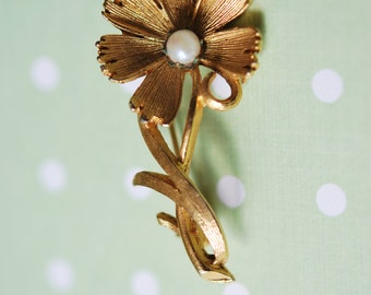 Vintage 1960s Flower Brooch