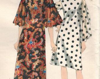 1960s Vogue 6622 Vintage Sewing Pattern Misses A-line Dress Size 10 Bust 31