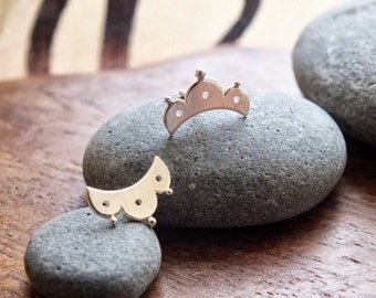 eyelet lace post earrings - sterling silver lace stud earrings // feminine studs // dainty stud earrings