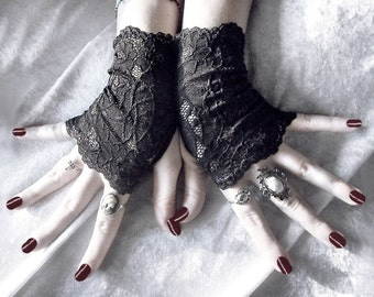 Elspeth Lace Fingerless Glove Mittens - Black Floral Fishnet - Gothic Vampire Lolita Wedding Fetish Belly Dance Goth Bohemian Bridal Alencon
