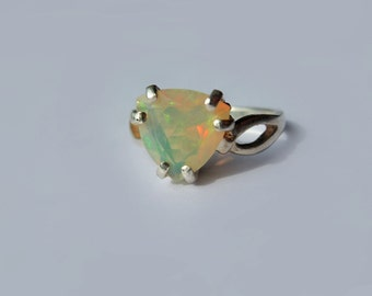 Unique Natural Multicolor Trillion Opal In Sterling Silver Setting Ring 1.54ct. Size 6.75