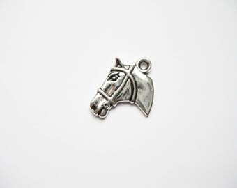 SALE - 6 horse head charms in silver tone - C1906