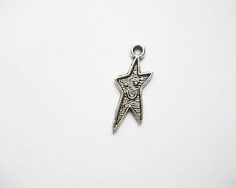 SALE - 8 Smiling Star Charms in Silver Tone - C1479