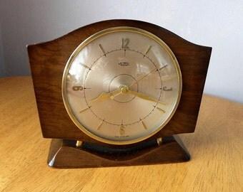 Metamec Vintage Clock Mantel Shelf Recycled Battery
