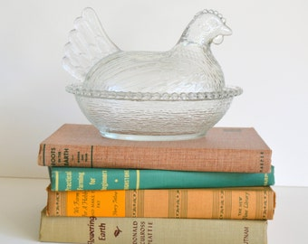 Vintage Clear Glass Nesting Hen!Chicken on Nest Covered Dish. For your Farmhouse Kitchen, add a bit of Antique Farm Charm for a Chic look.