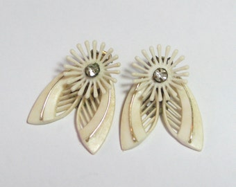 1950s White Plastic Leaf and Flower Rhinestone Earrings