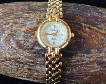 Gold Tone Ladies Armitron Watch (st - 1038)