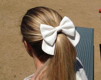 "4.5"" white hair bow, big hair bow, big white bow, big hairbow, solid color hair bow, kids white hairbow clips, white bow, girls bow barrette"
