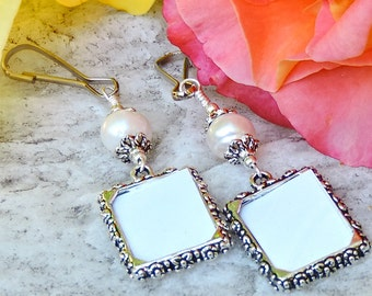 Wedding bouquet photo charms x2. Pearl Photo charms. Freshwater pearl set of 2 bridal bouquet charms. Wedding keepsakes. Gift for her.
