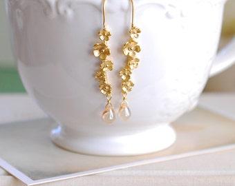 Gold Twig Earrings, Matte Gold Branch Twig Flowers Blossom Dangle Earrings, Champagne Teardrop Glass Earrings, Botanical Jewelry
