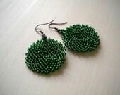 Seed beaded round emerald green earrings, peyote jewelry, round earrings, emerald jewellery