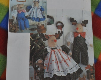 Simplicity 7045 - Cute Reindeer & Bear Dolls - Shabby Chic, Country, Primitive, Soft Sculpture - Rudolph, Christmas - Soft Sculpture DIY