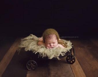 Classic Newborn Mohair Bonnet, Baby Mohair & Silk Bonnet, Dainty Newborn Bonnet, Handknitted Baby Photo Props, Classic Newborn Photo Prop