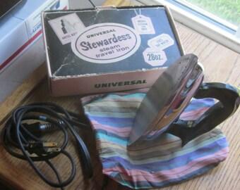 Vintage Universal Stewardess Steam Travel Iron Bakelite Handle with Box etc. 1940 Era