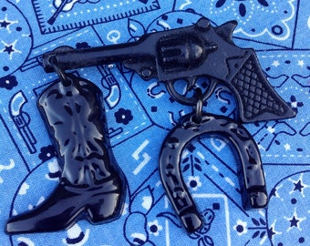 Retro Reproduction Western Cowboy Gun Brooch - Vintage Inspired - Pin Plastic Resin Hand Cast Handmade - Rockabilly Pin Up Novelty