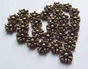 Vintage gold daisy cabochons