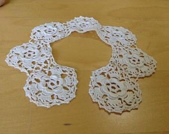 A nice vintage crocheted collar