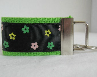 Floral Small Key Fob - Mini Flower Key Chain - LIME Zipper Pull