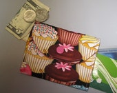 Women's Small Fabric Wallet Cupcakes