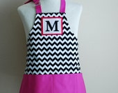 SALE Kids Apron / Toddler Ages 2-6 Personalized Letter  - Black and White Chevron Reversible Apron with Magenta Pockets