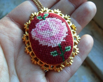 FREE SHIPPING Vintage Embroidered Rose Pendant Brooch Necklace
